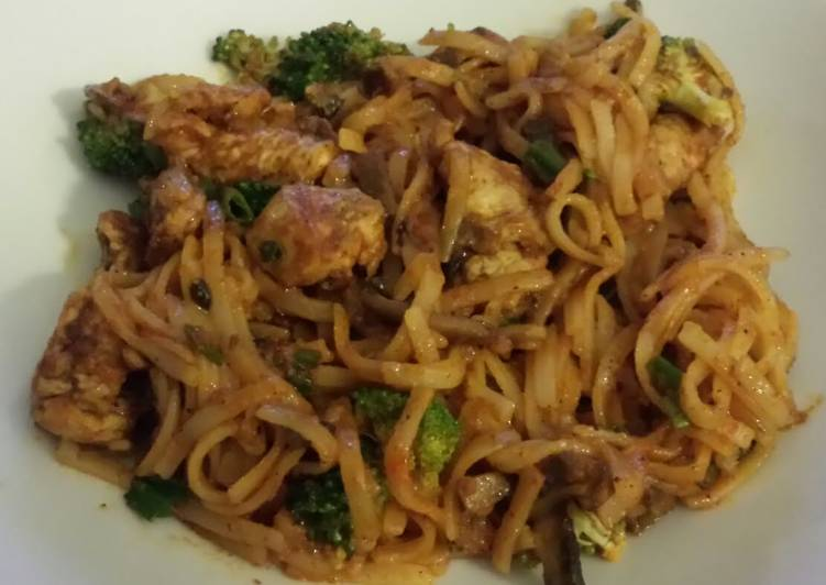 Curried Thai Chicken and Noodles Choosing Healthy and balanced Fast Food