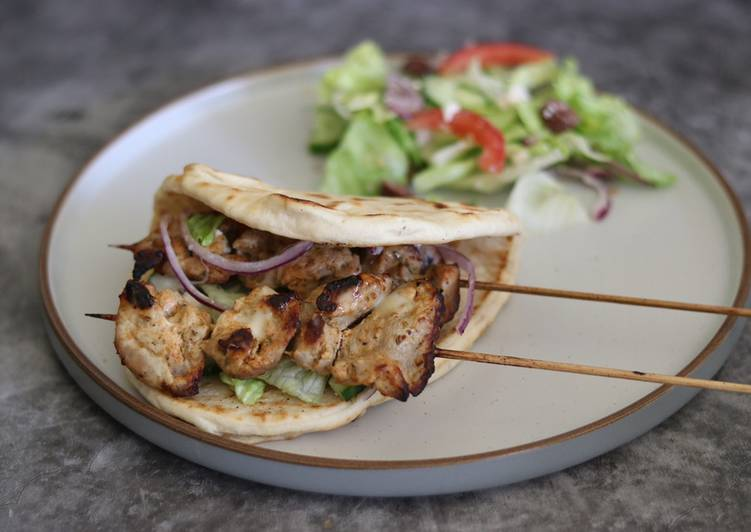 How to Prepare Super Quick Homemade Pork Souvlaki 🇬🇷