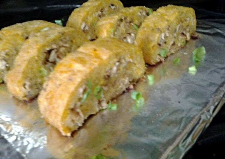How to Make Appetizing Stuffed Plantain Roll