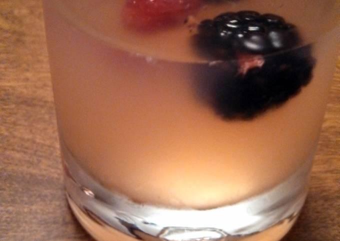 mixed berry lemonade