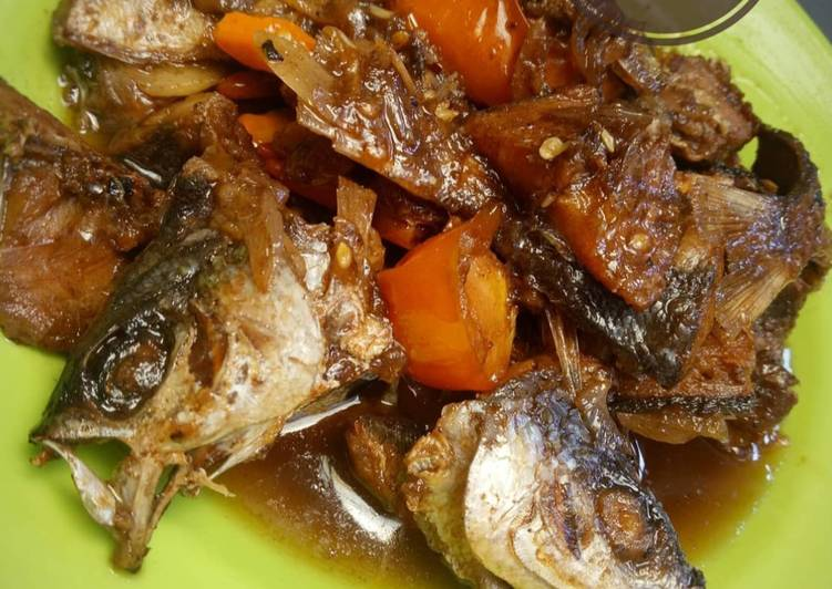 Ikan Asin Asam Manis