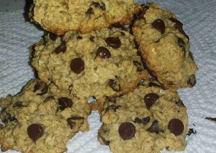 Recipe of Homemade Oatmeal Chocolate Chip Cookies
