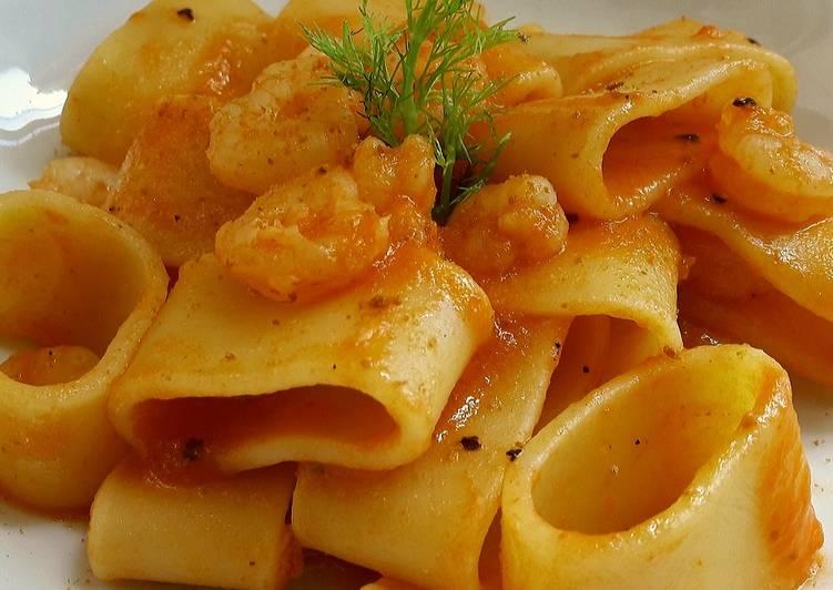 Recipe: Delicious Calamarata ai gamberi al brodo di bottarga e sale di capperi
