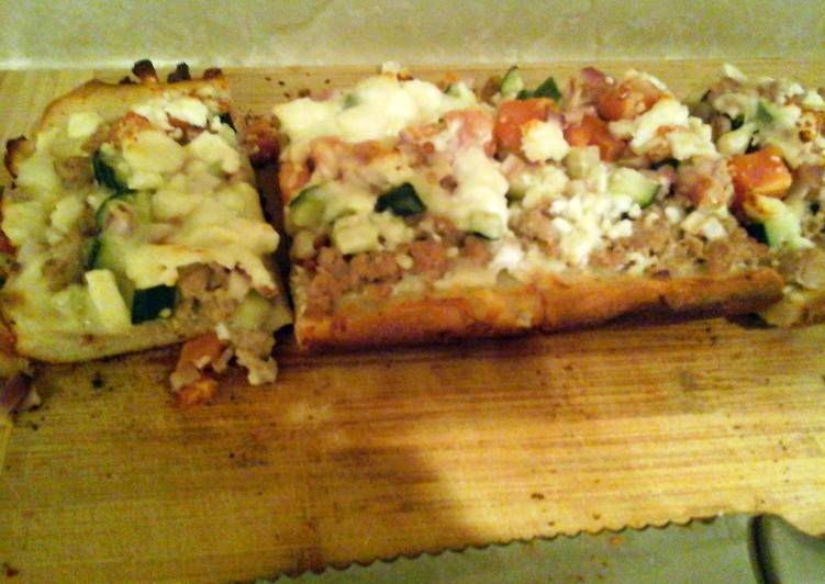 How to Cook Tasty turkey gyro pizza