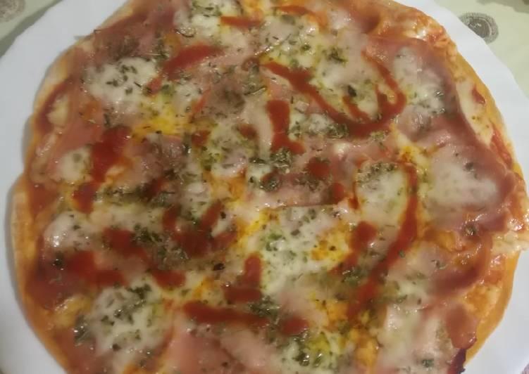 Pizza rápida con tortita de trigo
