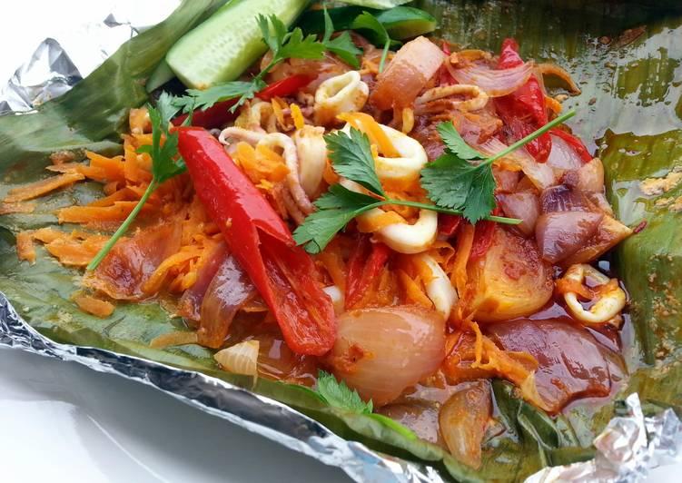 Recipe of Super Quick Homemade Baked Spicy Calamari / Squid (BANANA LEAF WRAP )
