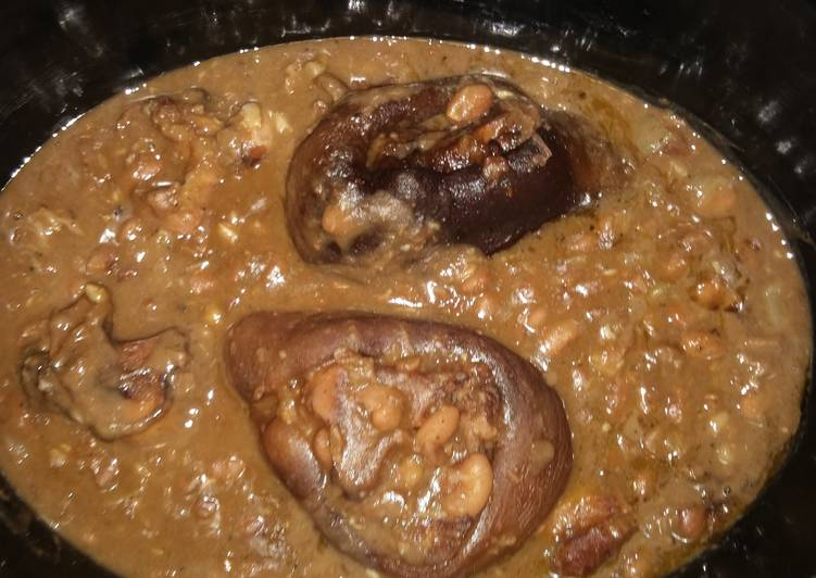 Simple Way to Make Favorite Slow cook Hamhocks with Pinto Beans