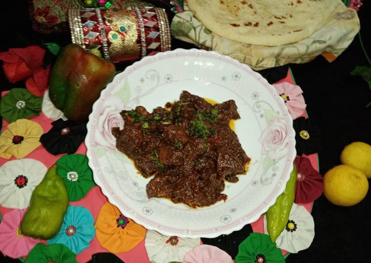 Spicy fry Kaleji mix in cooker