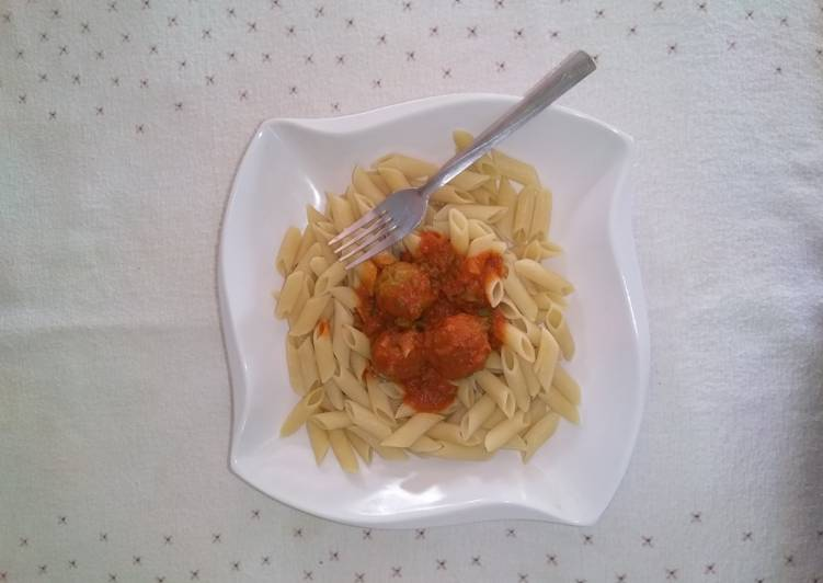 Pasta and meat ball sauce