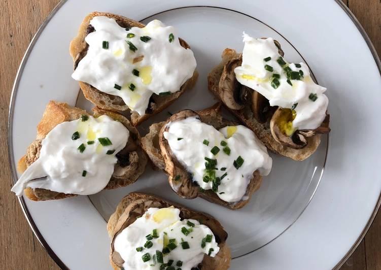 Crostinis champignons et burrata