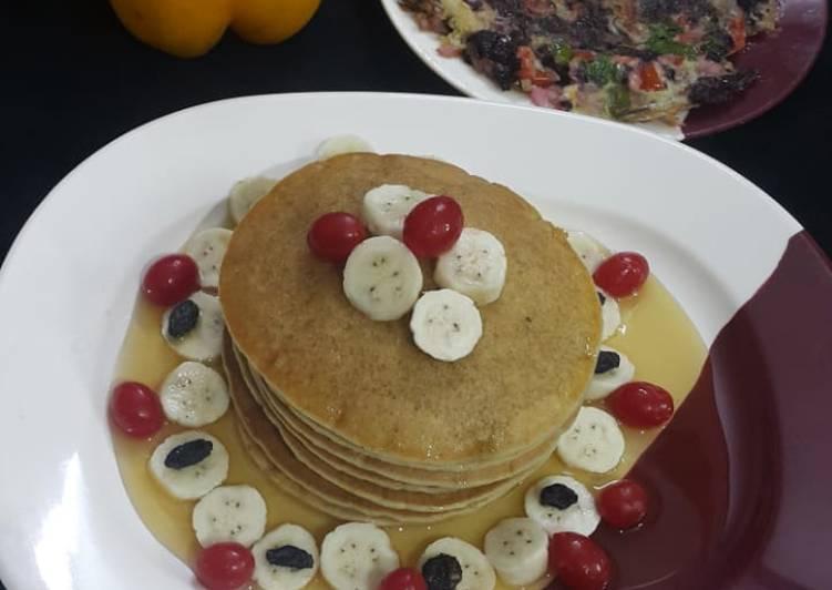 Eggless banana pancake & spinach omelette