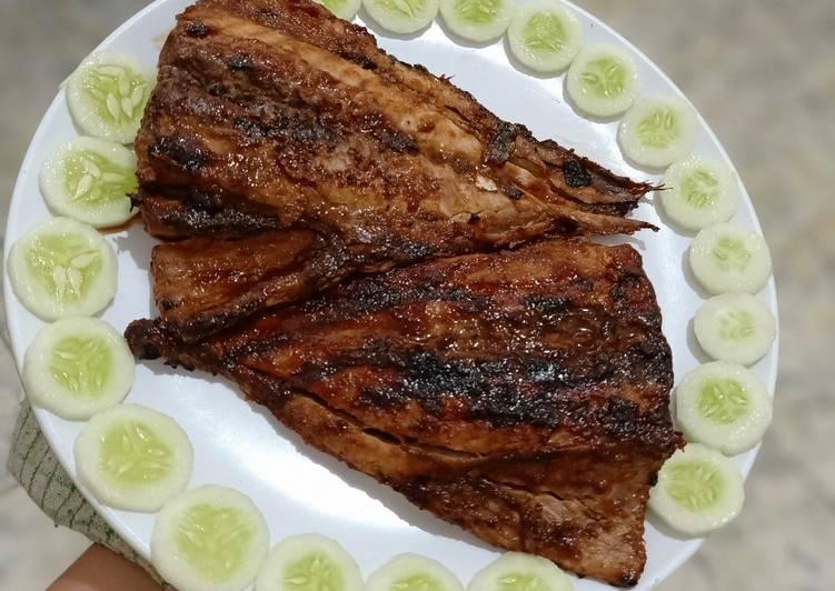 Begini Cara Memasak Ikan Tongkol Bakar / Panggang Teflon…