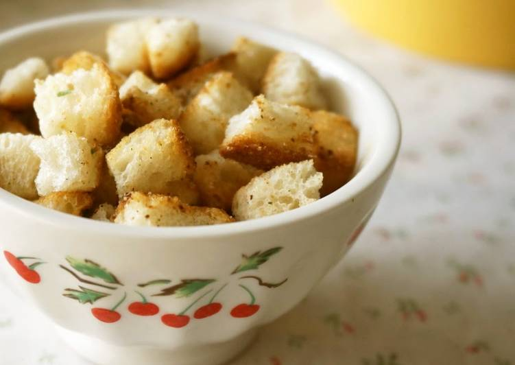 Easy Croutons in a Frying Pan