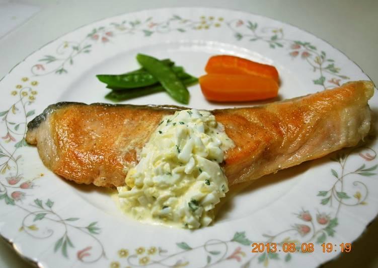 Easy Salmon Meunière with Tartare Sauce
