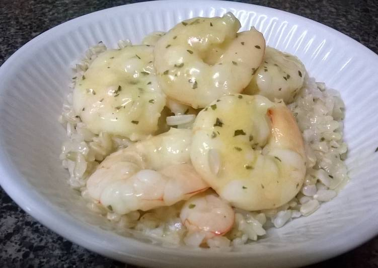 Recipe: Delicious Creamy garlic prawns