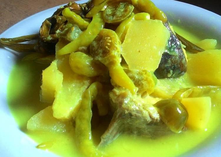 Ikan laut masak kuning
