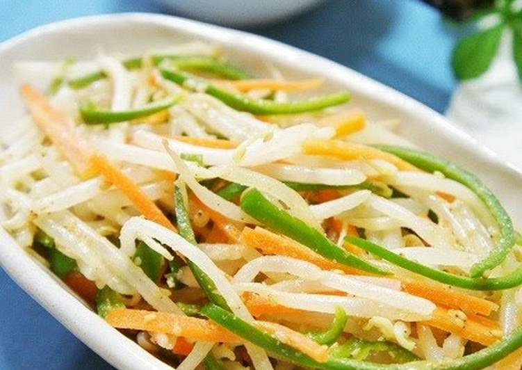 What is Dinner Ideas Speedy Bean Sprouts, Peppers, and Carrot Namul (Korean-Style Salad)