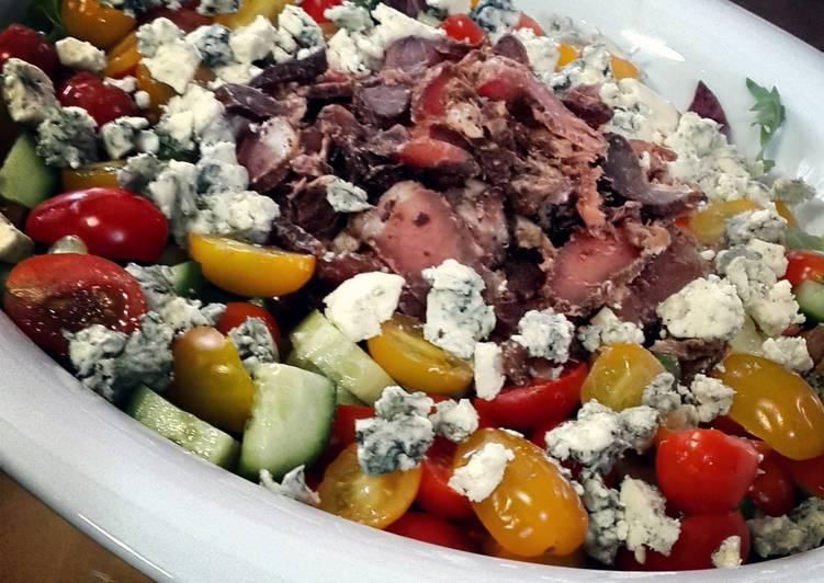 Biltong, blue cheese and avo salad