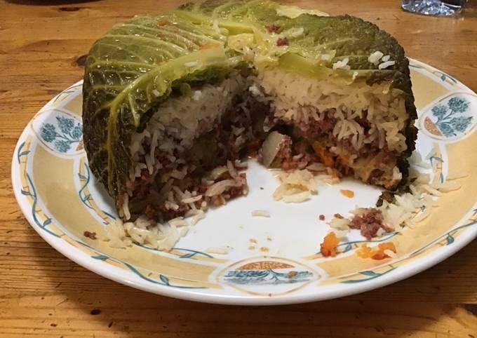 Chou farci façon gâteau au riz bœuf carottes et champignons