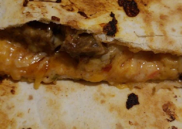 How to Prepare Quick Steak quesadilla