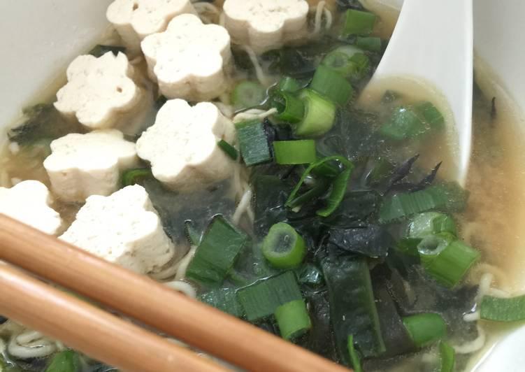 Miso Soup with Shirataki Noodles