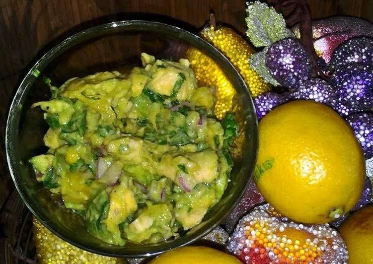 Mango Cilantro Guacamole