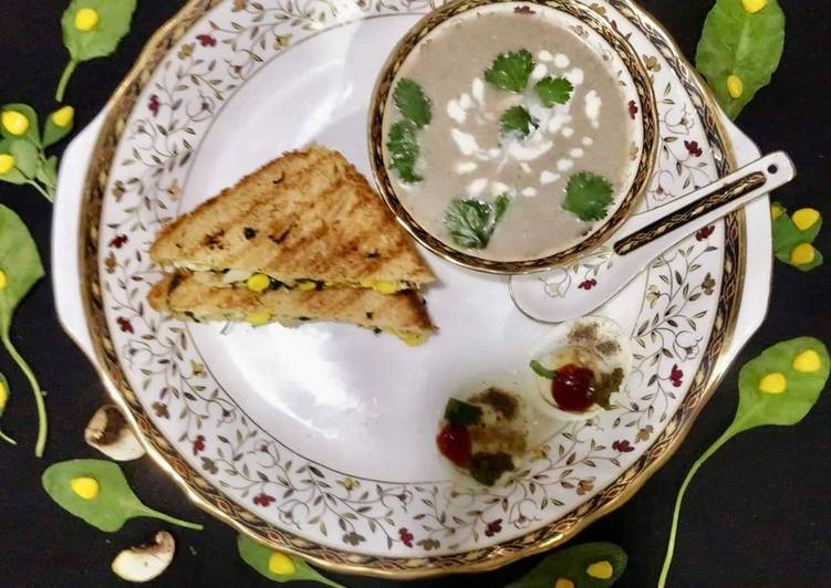 Easiest Way to Make Ultimate Cream of Mushroom Soup With Spinach-Methi Egg Sandwich
