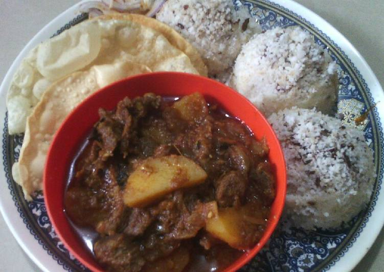 Beef and topiaco curry with rice coconut cakes