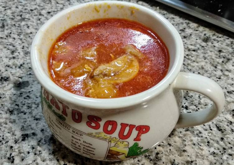 Sopa castellana (de ajo)