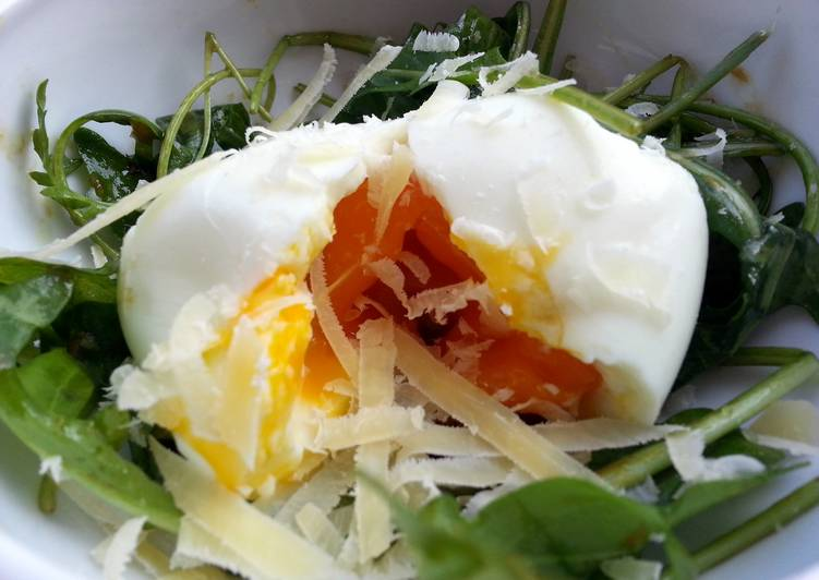 Egg And Arugula Salad