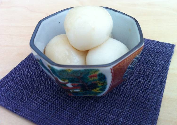 Recipe of Super Quick Homemade Soft Shiratama (Sticky Rice Ball) with Brown Sugar Syrup