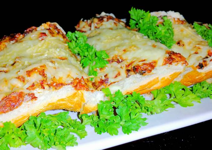 How to Prepare Appetizing Mike's Garlic Commanders Bread