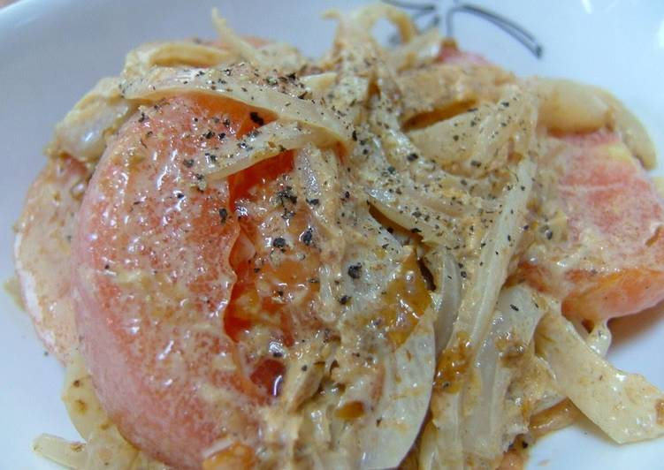 Steps to Make Homemade Sweet Onion, Bonito Flake, Tomato, Soy Sauce and Mayonnaise Salad