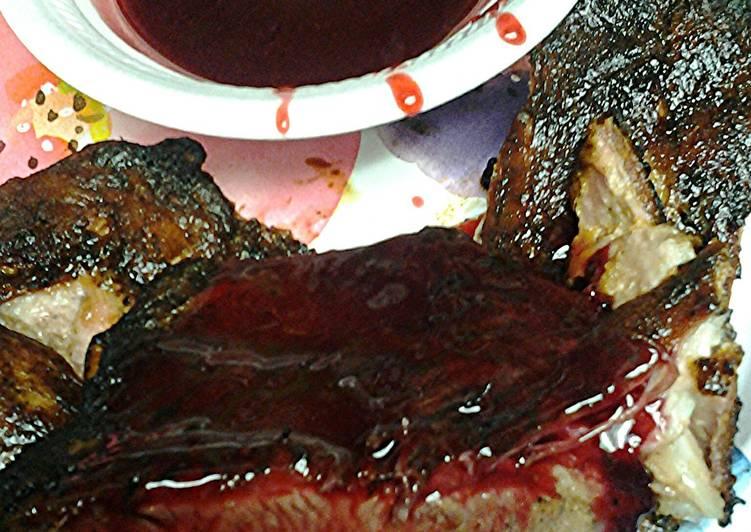 Recipe of Ultimate Pork spareribs with blackberry glaze