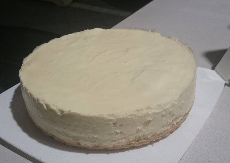 Unbaked white chocolate cheesecake