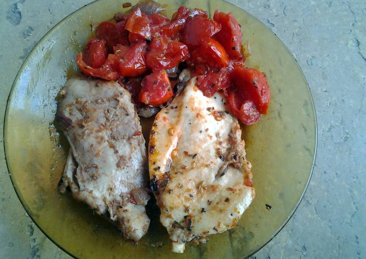 Chicken breasts with thyme and vegetables