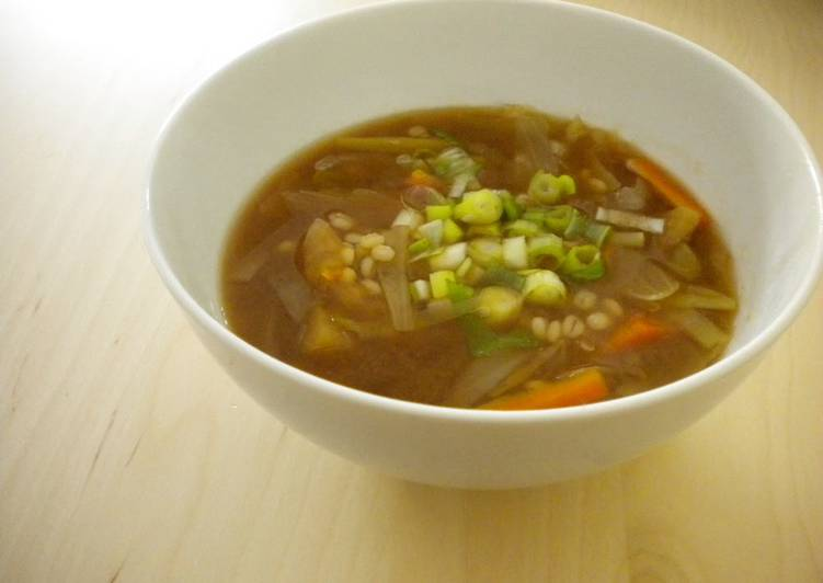 30 Minute Recipe of Autumn Leek and Barley Miso Soup (Macrobiotic)