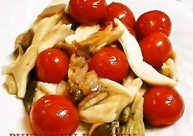 Going Green for Good Health By Dining Superfoods Bacon, King Oyster Mushrooms and Cherry Tomato Stir-fry