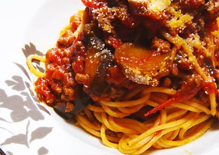 Easy Bolognese with Canned Tomatoes, Eggplant, and Ground Meat