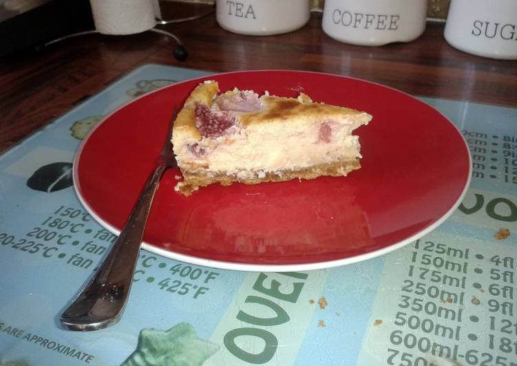 baked fruit cheesecake