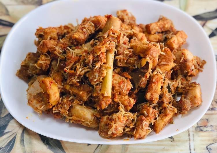 Teri nasi jepang+tempe buatan indonesia sambalado 😄
