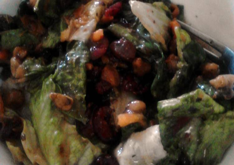 Cranberry Walnut Salad With pomegranite dressing (cheaters)