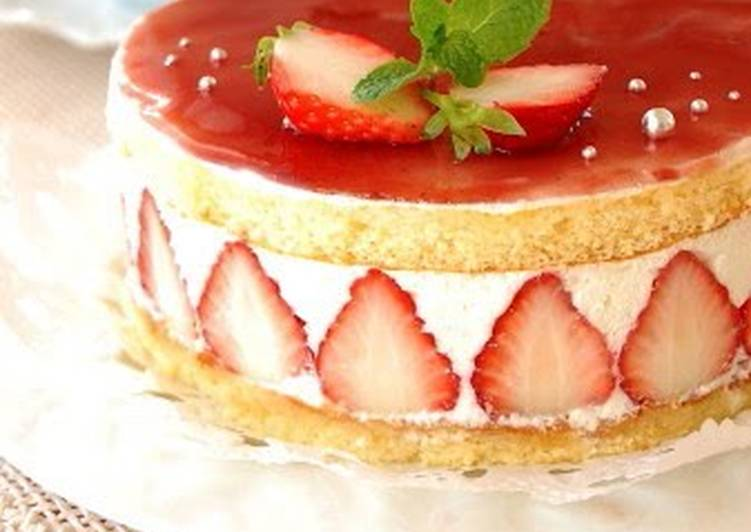 Le Fraisier Style White Chocolate Cake