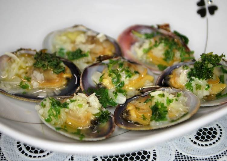 Easiest Way to Prepare Appetizing Sublime Baked Manila Clams with Garlic Butter