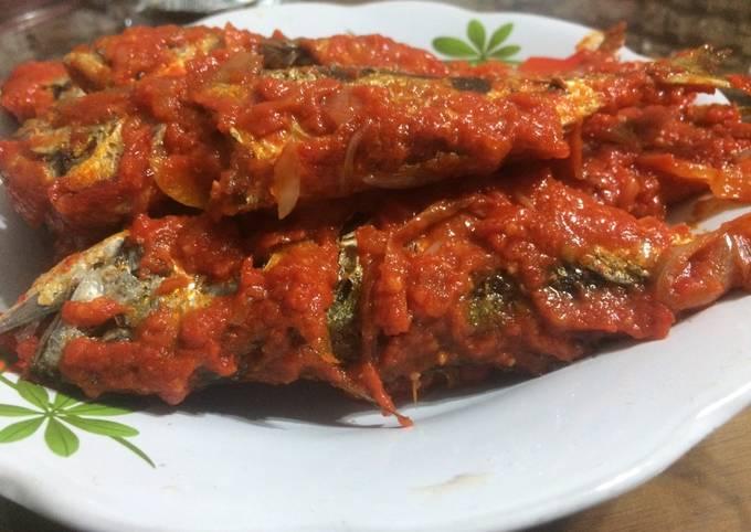 Langkah-Langkah Membuat Kembung sambal bawang bombai, merah, tomat, Lezat…