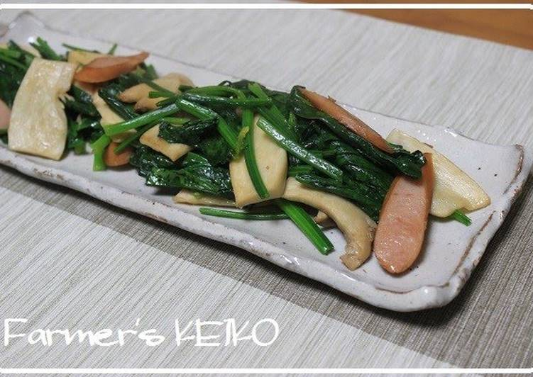 Simple Way to Prepare Speedy Spinach and King Oyster Mushrooms Sauteed in Butter