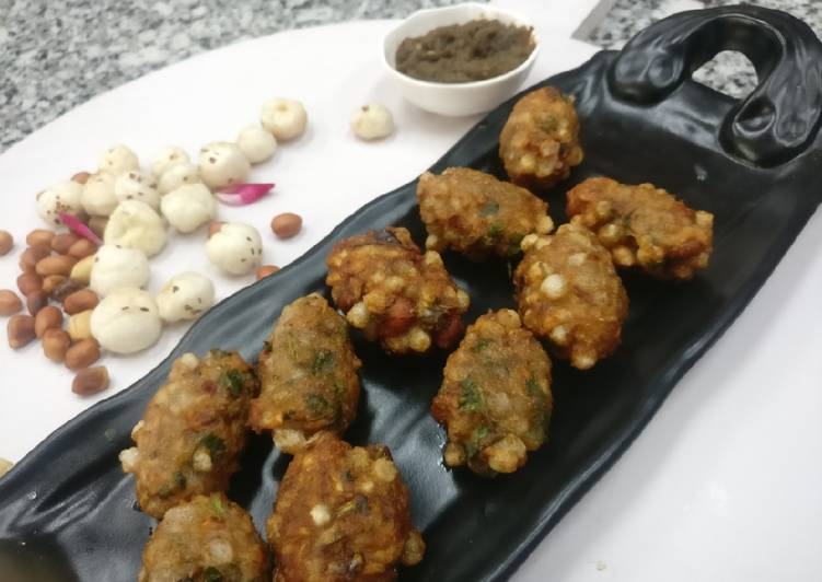 Easiest Way to Make Appetizing Sago & potatoes rolls Stuffed with dry fruits