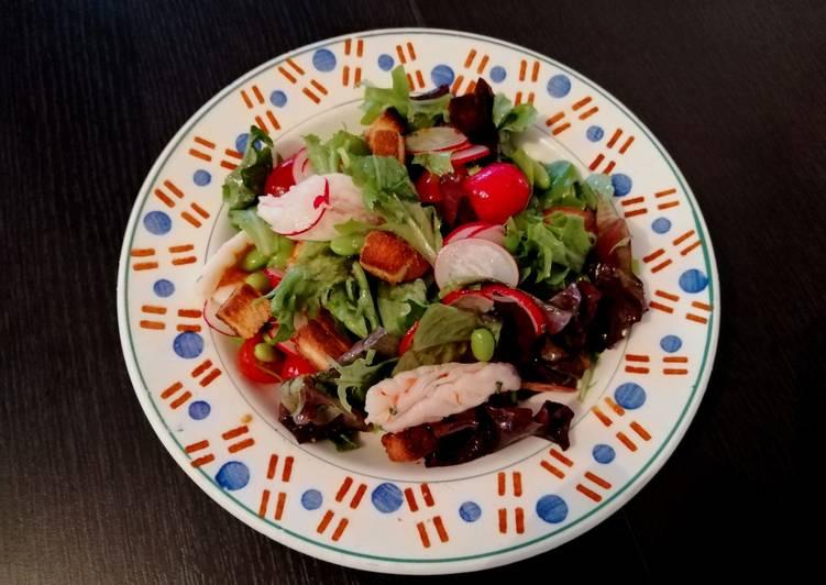 Sashimi de crevettes en salade