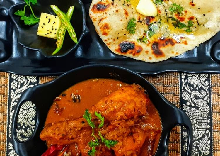 Spicy Bihari chicken curry and naan