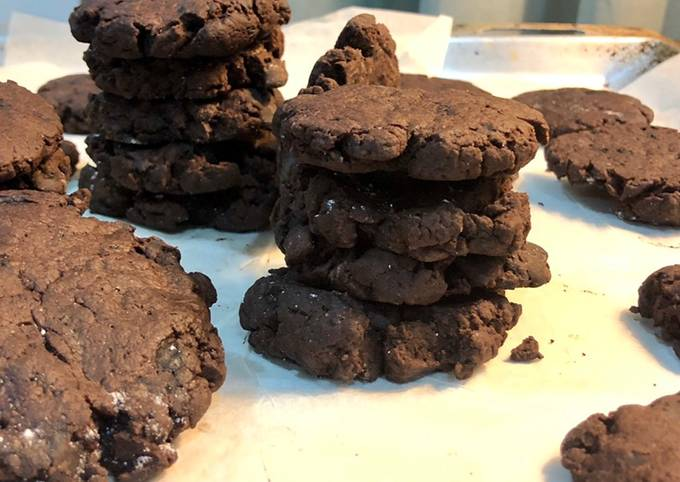Smashed fudgy cookies